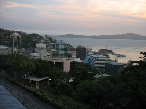 800px-Port_Moresby_Town_Mschlauch