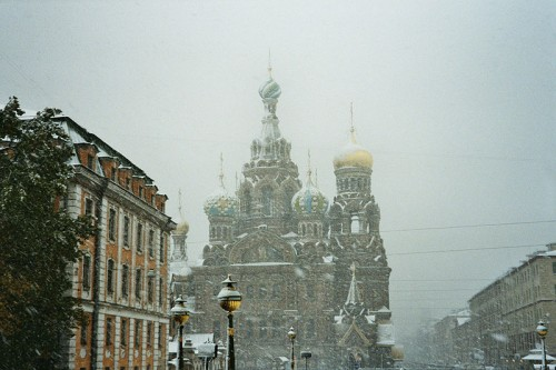 800px-St_Petersburg_Church_of_the_Savior_on_Blood