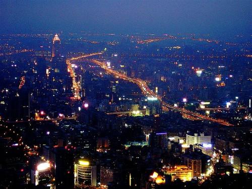 800px-Taipei_night_birdeye2