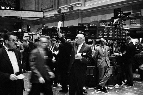 NY_stock_exchange_traders_floor_LC-U9-10548-6