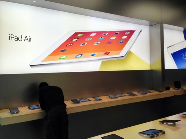 Dell, Apple, is AAPL a good stock to buy, James Johnston, tablets