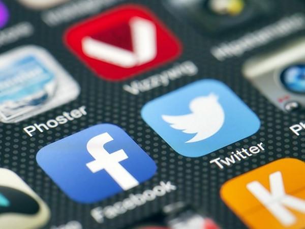 Twitter, is TWTR a good stock to buy, connectivity loss, live events, high-volume data traffic, John Jurgensen