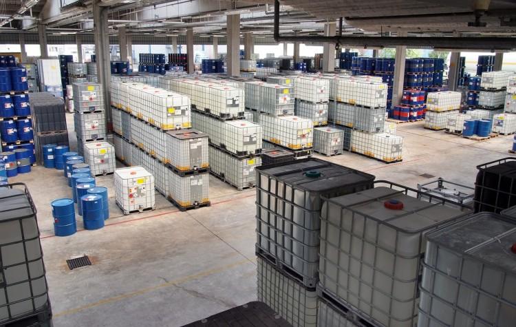 chemical-storage-629651_1280