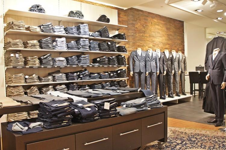 clothing-650372_1280