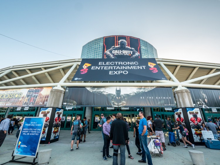 e3, day, business, show, video, tech, pavilion, duty, event, entrance, people, gaming, technology, building, dark, fair, videogame, exhibition, gamers, entertainment, center,