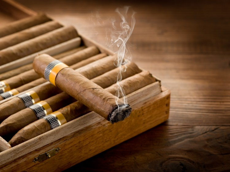 cigar, cuban, cuba, box, bar, havana, dark, ash, wooden, rare, expensive, culture, strong, restaurant, luxury, old, styled, traditional, wood, taste, men, relax, rich, real, smoke, vintage, style, manager, meditation, 7 Countries That Make The Best Cigars in The World