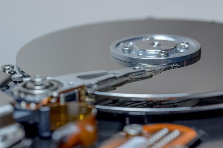 hard-drive-611514_1280
