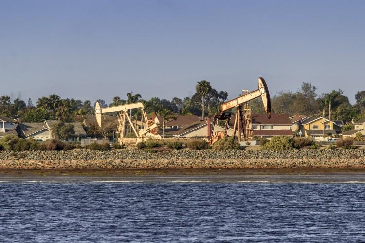 oil-500711_1280