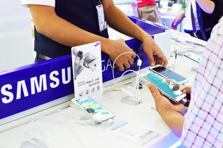 10 Best Smartphones with Nano SIM Card Slots