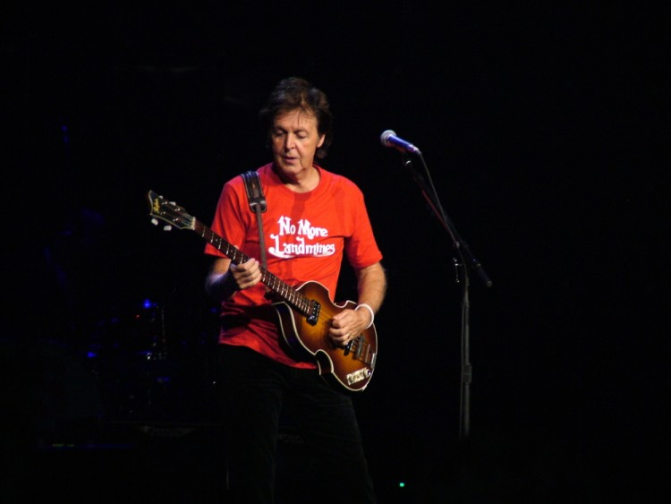 mccartney, paul, square, many, new, york, one, performing, songs, madison, garden, his, great, legendary, music, concert