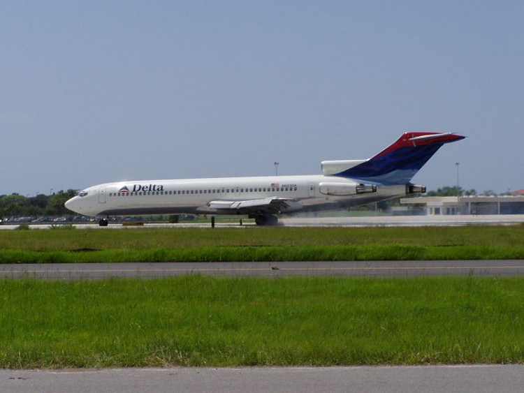 800px-Delta_Air_Lines_Boeing_727-200_N523DA