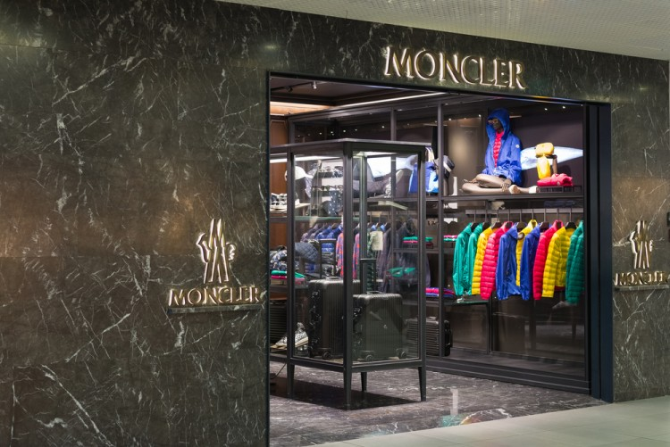 fashion, brand, style, luxury, moncler, clothing, windows, warm, town, nobody, gate, rome, buy, retail, outlet, italy, view, business, urban, night, consumerism, commercial, wealth, luxury, goods, duty, 11 Most Expensive Clothing Brands For Kids