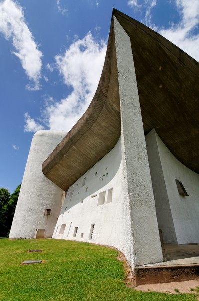 hill france white landmark bright sunny top ronchamp - Greatest Architect In The World
