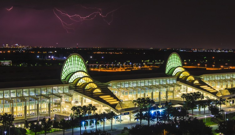 thunderbolt, strike, storm, bolt, night, thunderstorm, thunder, weather, lightning, danger, rain, electric, urban, flash, building, dark, city, blue, sky, nature, 10 Biggest Conference Centers in the US