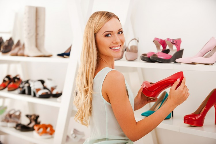 shoe, store, blond, buying, adult, styles, one, smiling, expressing, over, shopping, shoulder, woman, choosing, hair, variation, candid, camera, indoors, concepts, retail,