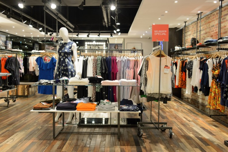 Consider these ten American top clothing retailers, which rely heavily on brick and mortar stores. H&M Founded in , H&M is a global phenomenon, generating over $23 billion in sales in