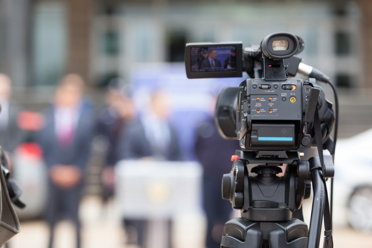 news, camera, media, public, broadcasting, journalism, presentation, politics, video, people, equipment, operator, press, conference, interview, cameraman, live, speech,
