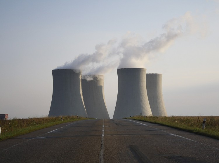 nuclear-power-plant-744424_1280