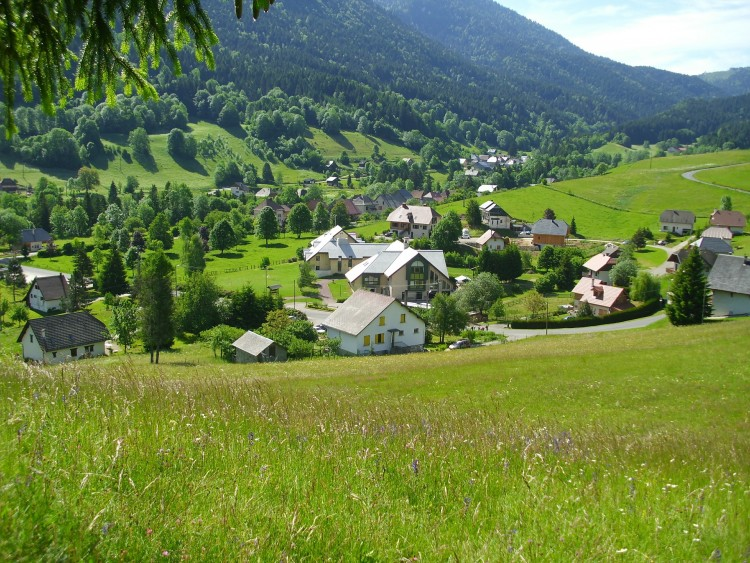 10 best places to retire in switzerland insider monkey for Best small cities to retire in