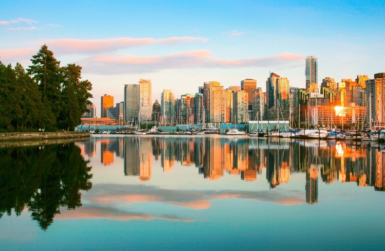 10 Warmest Sunniest Places to Live in Canada