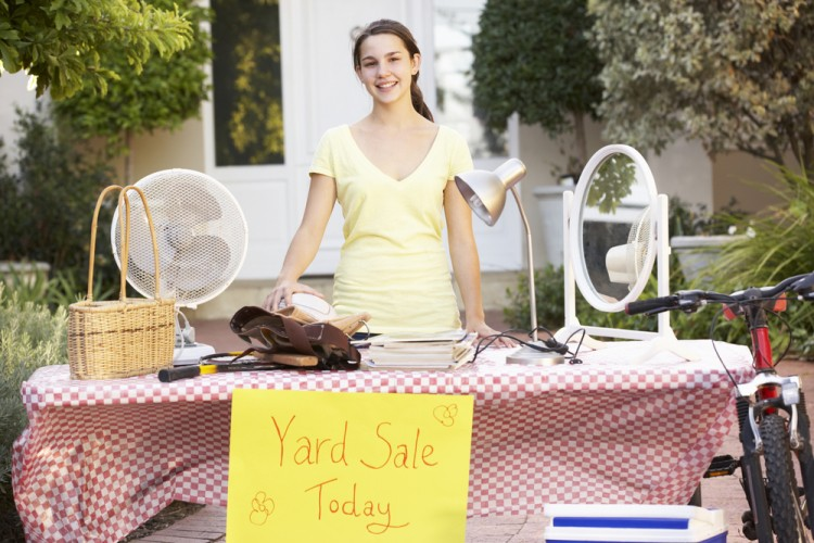 10 Summer Jobs For 14-Year-Olds That Pay