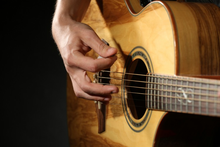 15 Easiest Famous Songs To Play On Guitar
