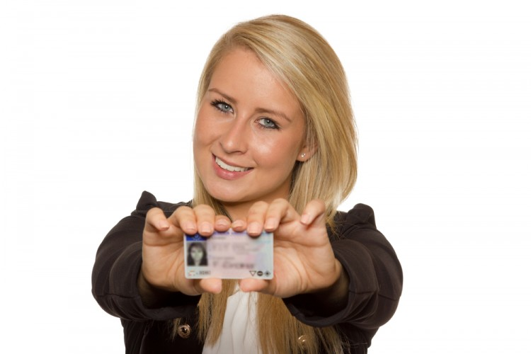 6 Tips For Using Someone Else's ID To Get Into A Bar