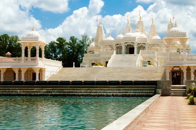 10 Biggest Hindu Temples in America