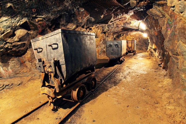 largest gold mining companies